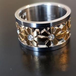 Stainless Flower & Crystal Ring